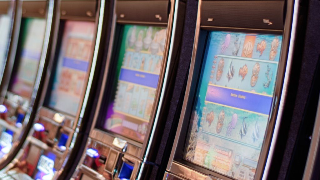 Picture of slot machines to represent Slotomania